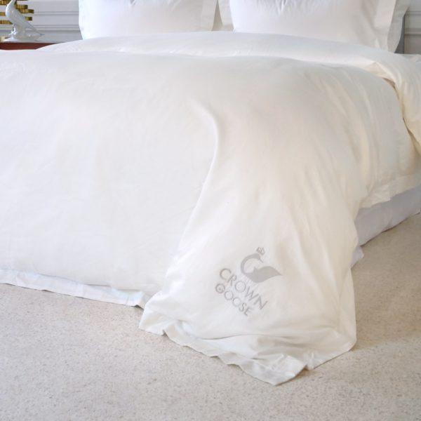Crown Goose Sopor Collection - Ivory White